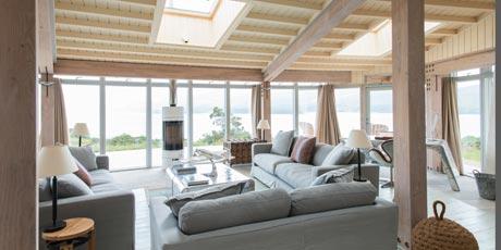 Living-room-with-windows.jpg