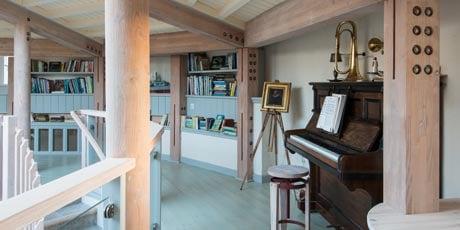 Upstairs-pic.jpg